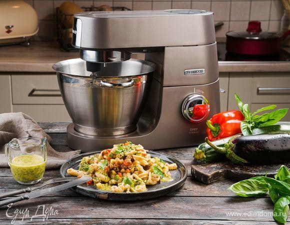 Фузилли с овощами под соусом айоли