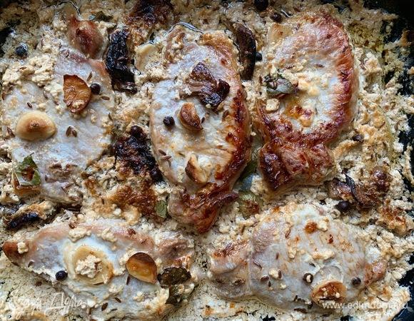 Свинина с белыми грибами по-деревенски