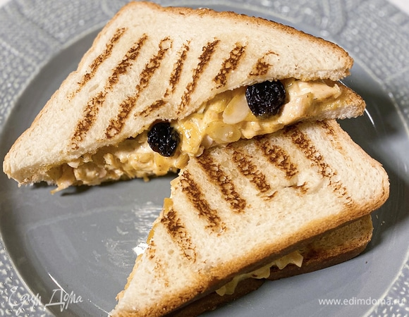 Сэндвич с курицей, карри и манго чатни
