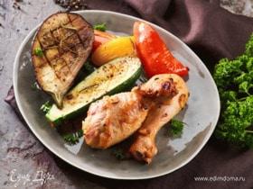 Куриные ножки в медово-соевом соусе с овощами-гриль