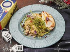 Кальмары, фаршированные грибами, в сметанном соусе