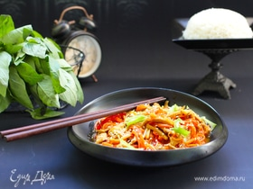 Куриная соломка с овощами в китайском стиле