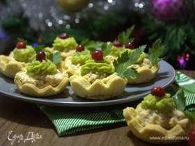 Тарталетки с начинкой из печени минтая и кремом из авокадо