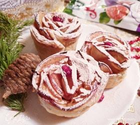 Слойки с яблоками «Снежные розы»