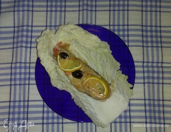Запеченный кижуч с лимоном и маслинами