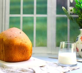 Французский хлеб с жареным луком