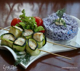 Рыбные шашлычки с цветным рисом