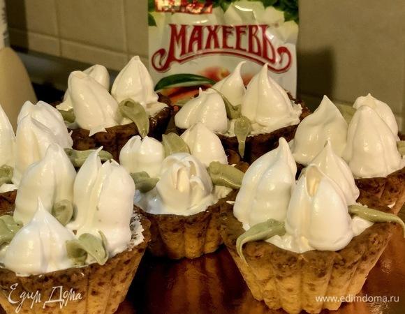 Пирожные «Корзинки с тюльпанами»