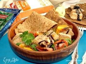 Лепешки из чечевицы с салатом из жареного тофу и помидоров черри