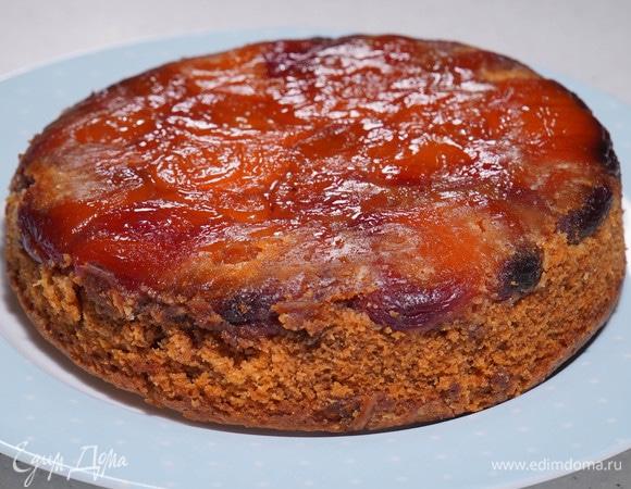 Пирог-перевертыш с курагой и пеканом