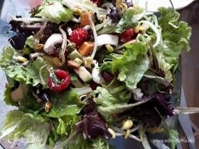 Салат из молодых ростков