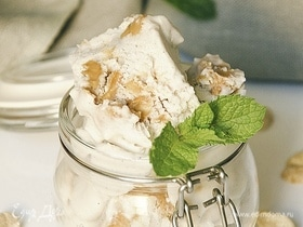 Сливочное мороженое с арахисовой пастой