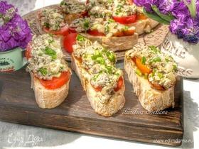 Бутерброды с шампиньонами и томатами