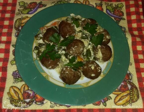 Фрикадельки в сливочно-чесночном соусе