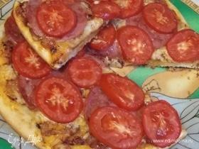 Домашняя пицца с грибным соусом
