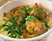 Куриные бедрышки, запеченные в сливочно-винном соусе