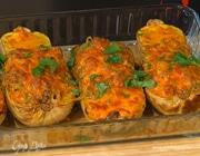 Тыквы, запеченные с мясом, овощами и сыром