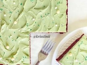 Шоколадные пирожные с кремом из маскарпоне и матчи