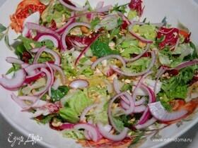 Салат с апельсином, кешью и красным луком