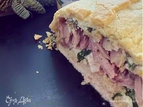 Пирог с тунцом, творожным сыром и шпинатом