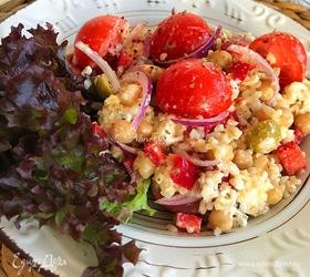 Овощной салат с нутом и булгуром