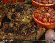 Ягнятина, запеченная с красными апельсинами