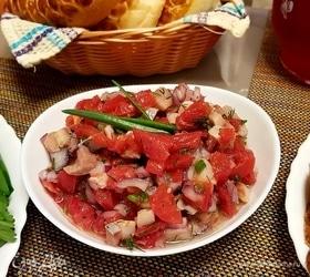 Тартар из сельди с помидорами