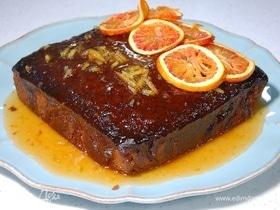 Пряный кекс под апельсиновым соусом
