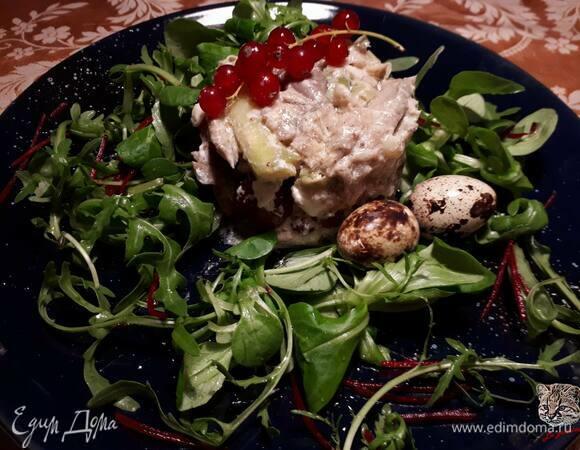 Теплый салат с вешенками и спаржей