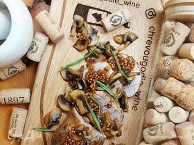 Свиная вырезка с грибами в специях