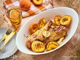 Голени индейки, запеченные с персиками