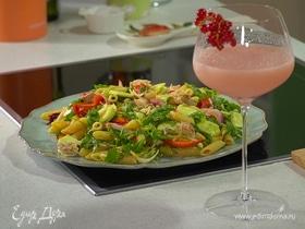 Средиземноморский салат с макрелью