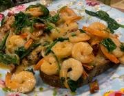 Креветки со шпинатом в сливочном соусе