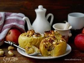 Запеченные яблоки с ореховой начинкой