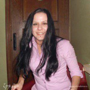Аня Доманова